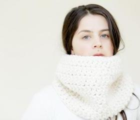 Chunky Crochet Cowl in Vanilla Cream